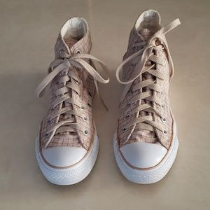 Converse tan plaid sneakers W6
